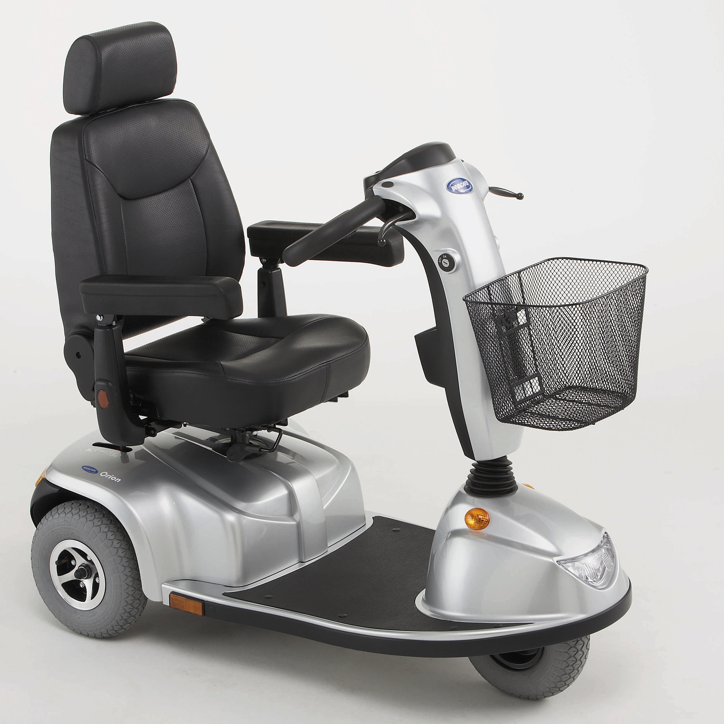 Three-wheeled mobility scooter